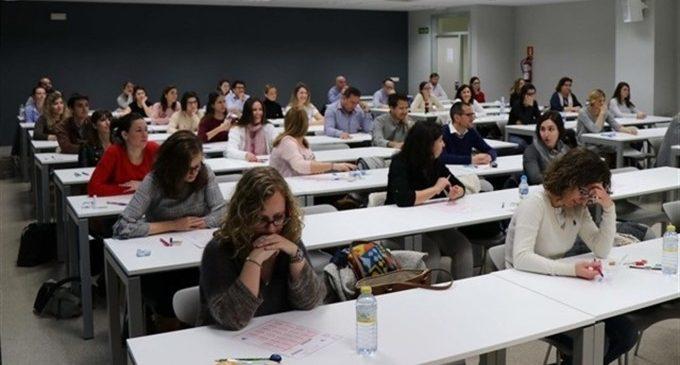 Educació convoca la primera prova de les oposicions per a cobrir 4.600 places de professorat d'instituts