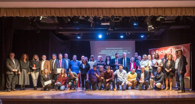 Gonzalo Alcácer recull el premi de Pactem Nord al treball de la Federació de Comerços de l'Horta Nord