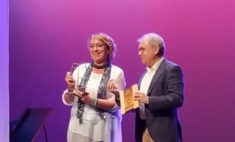 Benetússer recibe el premio Tablas por su apoyo a la actividad teatral