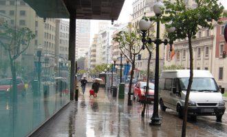 El temporal deixa quasi 140 litres a Énguera i obliga a suspendre actes polítics i a tancar parcs i ports