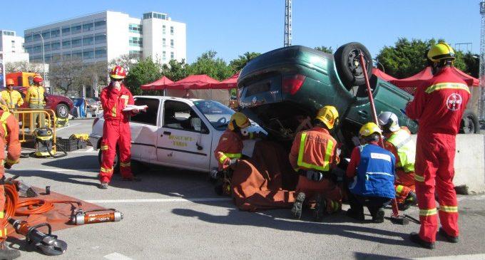 Els bombers rescaten a quasi 100 persones atrapades en accidents de trànsit entre gener i abril