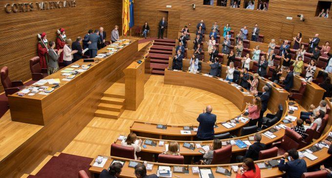 """El Botànic celebra la """"consolidació"""" que els dona una enquesta i l'oposició insta a esperar al 10N"""