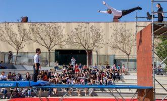 L'alumnat dels instituts de Mislata gaudeix del MAC en l'hora del pati