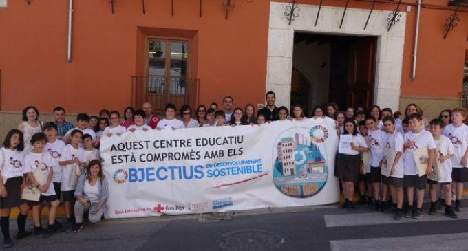 L'alumnat del col·legi Santa Maria i Creu Roja presenten a l'Ajuntament idees per afavorir la sostenibilitat