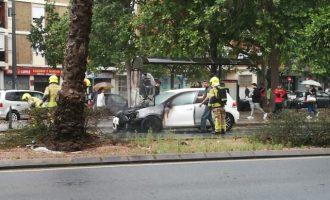 Un coche arde en Primado Reig y provoca grandes atascos
