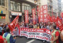 """La manifestació de l'1 de Maig recorre els carrers de València per a recordar que """"la lluita continua"""""""