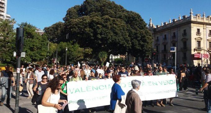 """El colectivo 'València no està en venda' sale a la calle para detener """"proyectos urbanísticos sin sentido"""""""