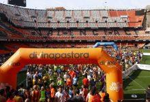 La tercera edició de la Volta a Peu València C.F. conclourà al Mestalla