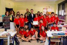 Els alumnes del col·legi Jaume I de Mislata realitzen una llista de carrers amb codis QR per a la Policia Local