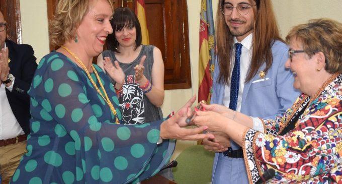 Eva Sanz pren possessió del seu càrrec d'alcaldessa de Benetússer