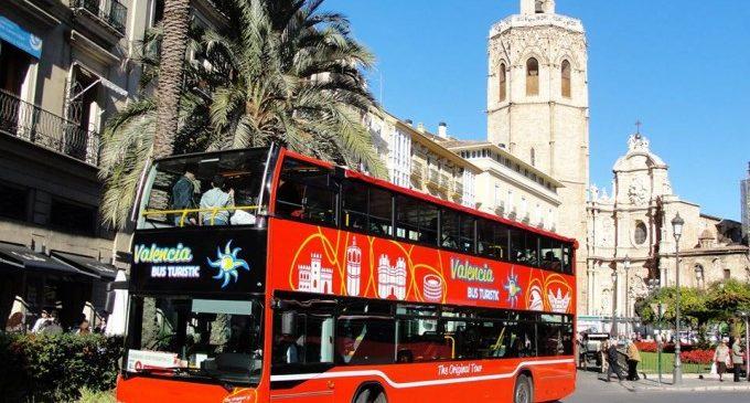 El Ayuntamiento prorroga un año la concesión del bus turístico mientras se ultima el próximo proyecto