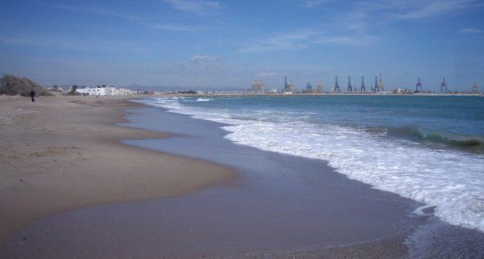 Rescatada amb símptomes d'ofegament una dona a la platja del Saler