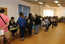 Més de mil persones i un centenar d'empreses amb 800 ofertes de treball participaran en la Fira d'Ocupació