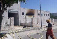 Controlat un incendi en una fàbrica de mobles d'Ontinyent