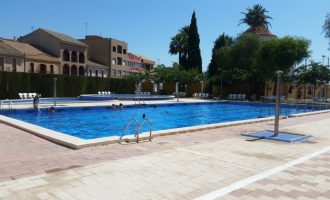 La piscina de Meliana vuelve con un amplio horario y cursos de natación