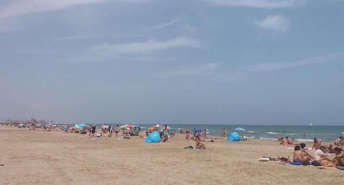 Sis platges de València, tres d'Alacant i una de Castelló mantenen banderes roges per onatge o mar arrissada