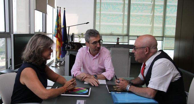 Cermi pide a Arcadi España incrementar el número de taxis adaptados