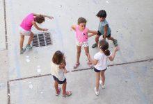 Igualtat finança aquest estiu programes per a garantir l'oci i l'alimentació de xiquets i xiquetes en 96 municipis valencians