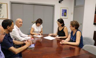 El Ayuntamiento y la Asociación Empresarial firman un convenio para mejorar el tejido asociativo de Quart