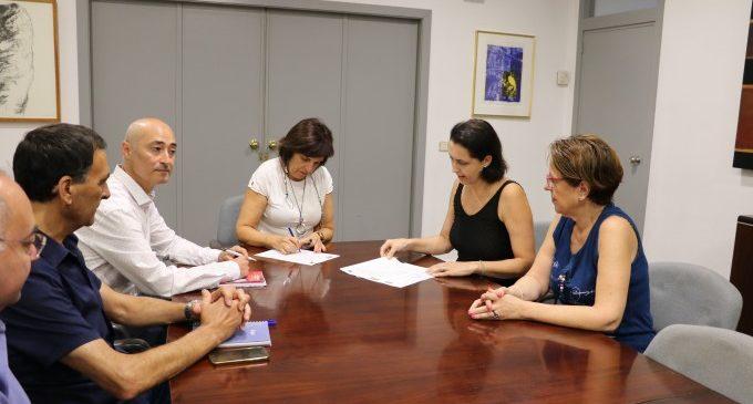 L'Ajuntament i l'Associació Empresarial signen un conveni per a millorar el teixit associatiu de Quart