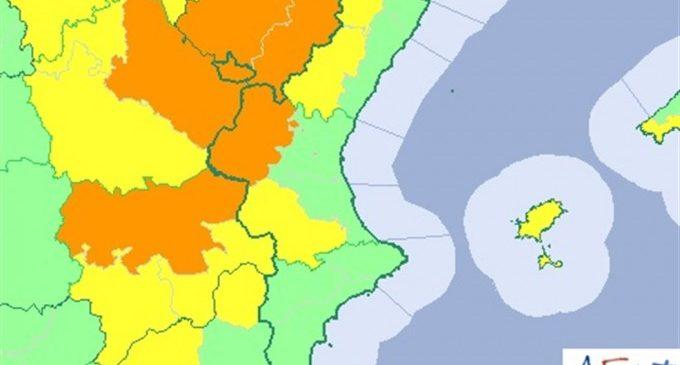 La Comunitat Valenciana está este lunes en aviso por tormentas y lluvias que pueden dejar 60 l/m2 en una hora