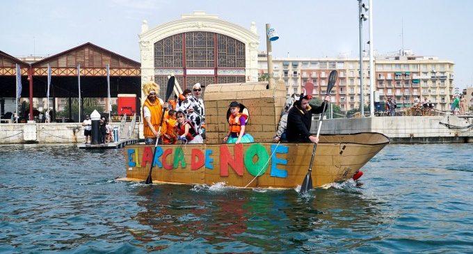 L'enginy i el sentit de l'humor triomfen en la primera regata de Vaixells Bojos de la Marina de València