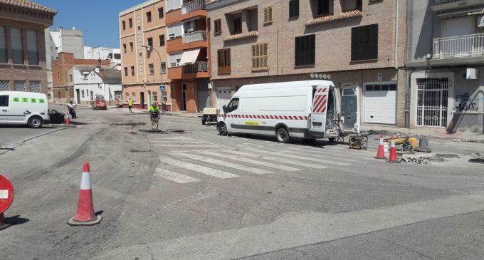 14 carrers del barri de Campament de Paterna són reasfaltadas