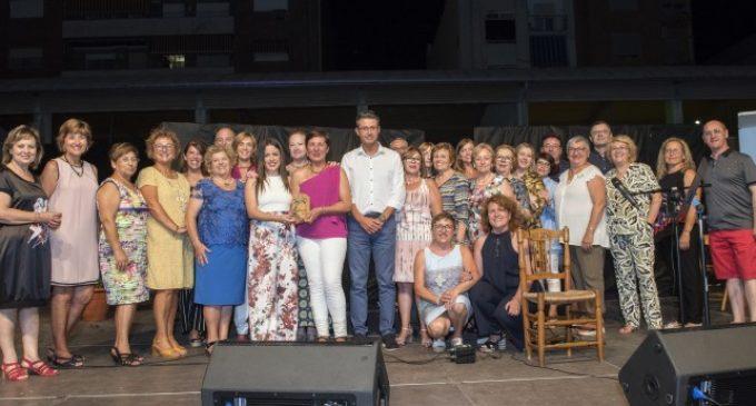 Almussafes recauda més de 6.000 euros en la gala benèfica en contra del cáncer
