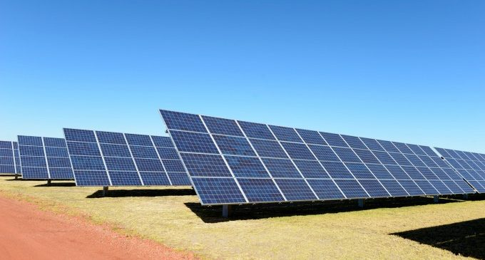 Placas solares en las azoteas para el autoconsumo, una idea que empieza a coger forma