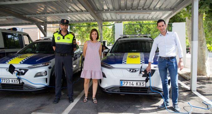 La Policia Local de Mislata amplia la flota de vehicles amb cotxes elèctrics