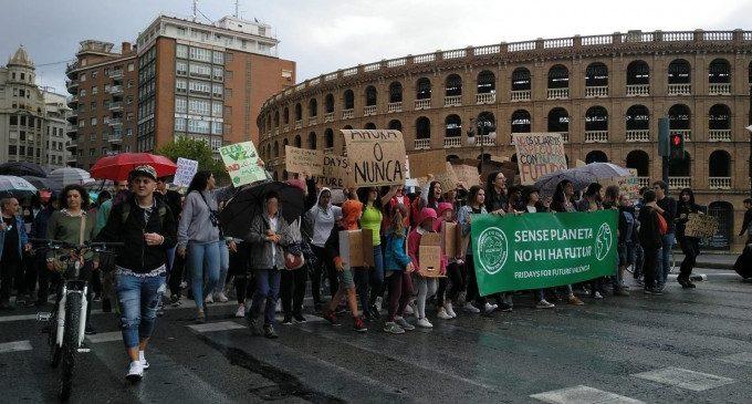 """Fridays for Future València participarà en la primera trobada internacional per a """"lluitar contra la crisi climàtica"""""""