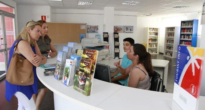 Puçol obri un centre de salut i un Tourist Info en la zona de la platja
