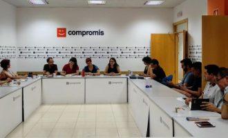 Compromís signa un acord amb altres forces polítiques per a estalviar en publicitat electoral exterior