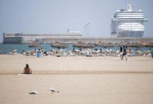 """València reabre las playas de Malva-rosa y la Devesa tras registrar valores """"próximos a cero"""" de bacterias"""