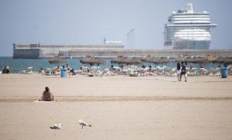 L'Ajuntament de València reforça la neteja de les platges durant el cap de setmana coincidint amb el tancament perimetral de la ciutat
