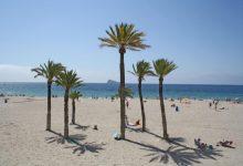 Rescaten a banyistes amb símptomes d'ofegament en una masia d'Onda i platges d'Alacant