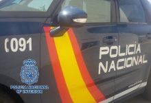 Detingudes dos joves que van entrar a robar en un pis amb els seus inquilins dins