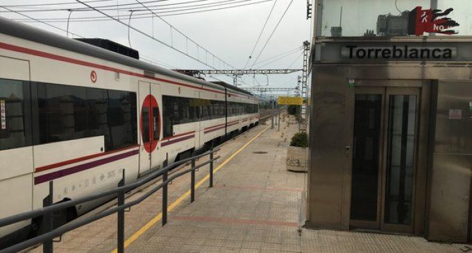El tren a Castelló tarda 17 minuts més ara que en 2004 per l'abandó econòmic de l'Estat