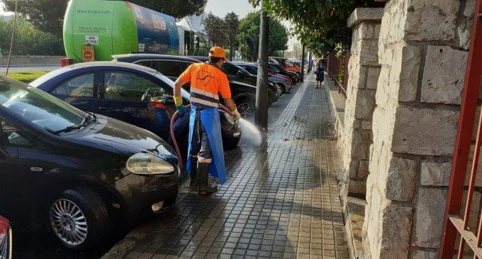 Es neteja els efectes del temporal i enllestix les platges de València per al seu ús normal