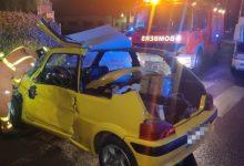 Rescatada una dona atrapada en el seu vehicle en un accident amb un camió en Font del Pitxer