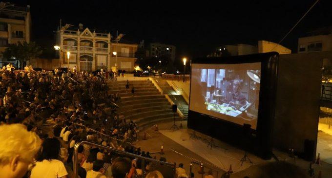 El Cinema d'Estiu de Paterna reuneix a més de 2.200 veïns