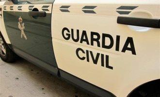 Detenido un hombre en Manuel acusado de apuñalar mortalmente a un vecino cuando aparcaba el coche