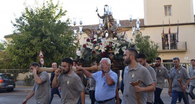 Sant Roc continua el seu recorregut pels barris de Burjassot