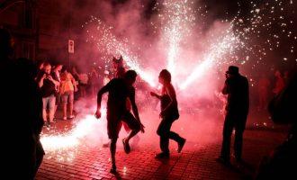 Foc, festes i acrobàcies donen la benvinguda a les Festes d'Alaquàs 2019