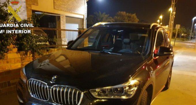 Detinguts dos joves quan circulaven per Sagunt en un cotxe d'alta gamma robat a Bèlgica