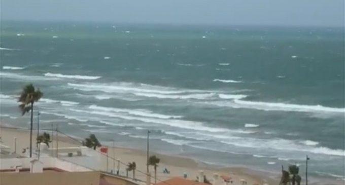 El vent obliga a tancar parcs i platges a València mentre continuen les pluges intenses en la Comunitat Valenciana