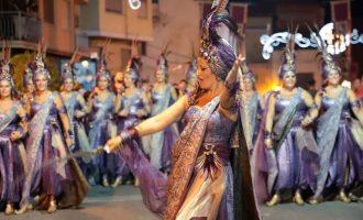 Paterna inicia unas fiestas patronales protagonizadas por los Moros y Cristianos y sus tradicionales actos de fuego