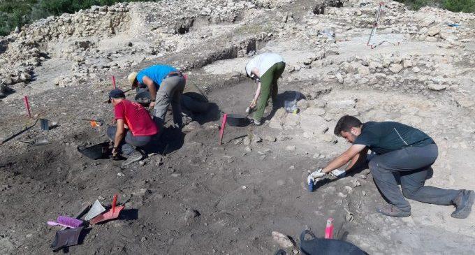 El Museo de Prehistoria y el SIP finalizan la campaña de excavaciones arqueológicas de verano