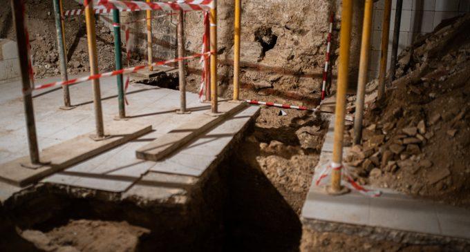 València amplía el trazado de la Muralla Árabe 'visible' tras hallar parte de esta en la rehabilitación de un edificio