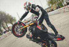 Edu Rodríguez, pilot d'Stunt Riding nascut a Puçol, admet que la superació personal és la seua principal motivació